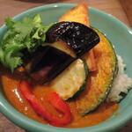 Bombeibaza - 野菜のイエローキーマ