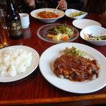 Mio Casaloレストラン - ポークソテーとミートソース