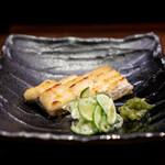 銀座 いっぱし - うなぎ白焼き(宍道湖) スダチ塩・ワサビの茎の醤油漬け