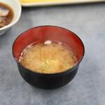 だるまの天ぷら定食 - 味噌汁
