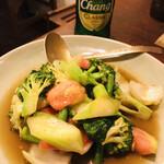 スウィートバジル - 野菜の盛り合わせのカキソース炒め+チャンビール