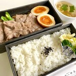 割烹 八幡家 - 仙台牛すき焼き弁当(テイクアウト)