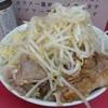 Ramenjirou - 料理写真:2012.5 小豚入り(800円)ヤサイニンニク