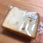 131563108 - オレンジピール入り食パン