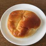 ベーカリー ノリ - 料理写真:クリームパン