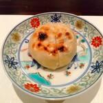 131566885 - 渡蟹、唐人菜、背振りのモッツレラチーズのお焼き
