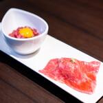 焼肉 じゅん - 太田牛ユッケ(ハーフ)、極上肉寿司