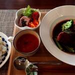 Bistro Sou-Sou  - 和牛ほほ肉のシチューしたてランチ(通常2650円+税が、特別応援価格で1950円+税)