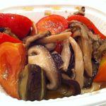 りょくけん 銀座松屋店 - トマトとキノコのマリネ
