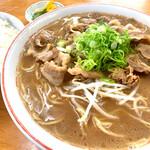 末広 - 料理写真:肉入り(大)とめし