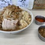 ラーメン荘 歴史を刻め - 料理写真:ラーメン小 ニンニク野菜ちょいマシ アブラマシ