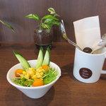 カフェ クロスポイント - サラダ