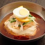 李朝園 - こだわりの自家製麺を使用した冷麺
