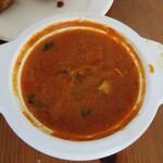 アクバル - タンドリランチのチキンカレー