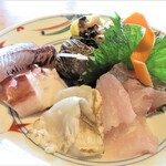 鮨割烹 海宮 - 料理写真:刺身6種盛り