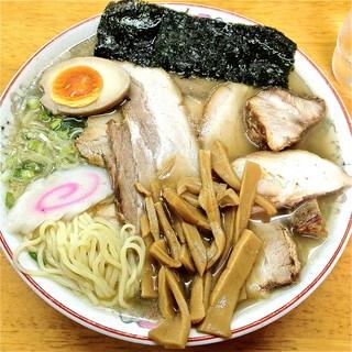 ちくに - 肉そば(¥900)塩分高め、麺は私が今まで食べたラーメンの中で一番柔らかい。肉は文句無し!80点。2012/5/28