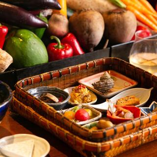 フランス料理がベースの、旬の食材を愉しむオリジナル創作料理