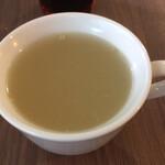 ピアッツァ - 料理写真:パスタ・ピッツァに無料で付くスープ