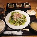 新宿 inton - 棒棒豚(バンバンブー)サラダ