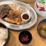 Jackson's N.Y.DINER - コンビランチ(ハラミステーキ&チキンステーキ) 900円 ドリンク付