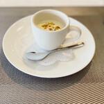 French + ちょっぴりのJapanese Essenceを添えて LaChic - 冷製スープ