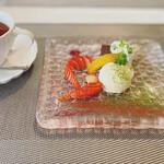 French + ちょっぴりのJapanese Essenceを添えて LaChic - ガトーショコラと紅茶
