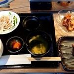 江南焼肉 わにく - 江南焼肉ランチ(980円税込)+ランチタイム特価のミックスホルモン(300円税込)