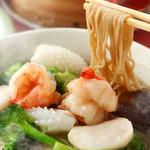 隆蓮 - 不老長寿の海鮮麺 ※隆蓮のスープ麺は特注の古代小麦麺を使用しております。