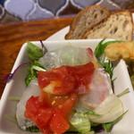 リベルタ - 本日のサラダは鯛のカルパッチョサラダ