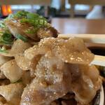 味覚 - 甘タレで表面に山椒がかかってるので めっちゃご飯が進むよね
