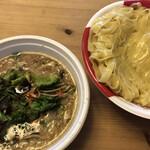 小麦と肉 桃の木 - 背脂生姜醤油つけ麺