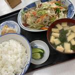 清和亭 - 野菜炒め定食