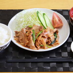 めんふぁん食堂 - スタミナ焼定食 730円