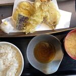131682696 - ¥850の天ぷら定食です