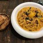 ウニ専門レストラン  unico-co - とても美味しいフォカッチャがついています。