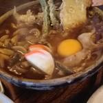 煮込みうどん かに屋 - 天ぷら玉子入り 味噌煮込みうどん