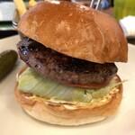 131691738 - パテはひき肉とステーキのミックスタイプ