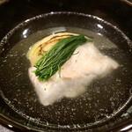 Ankyu - 賀茂茄子とアコウの椀物〜素晴らしい椀物。脂ののったアコウ、正式名称はキジハタ。芽葱も美しい。