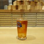 魚屋の居酒屋 魚錠 - フリードリンクコーナーから「ウーロン茶」
