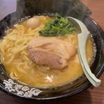 横浜家系ラーメン 金町商店 -