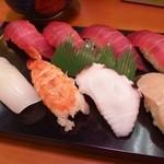 焼津さかなセンター 山水 - 寿司盛り 900円