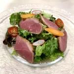 131700953 - 前菜はマグレ鴨胸肉のスモークサラダ