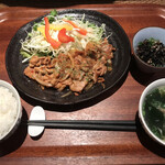 春日原 十八 - 糸島豚の生姜焼き=830円 税込