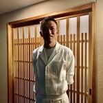 Ankyu - ご主人の上田さんは、祇園『杢兵衛』で修業され、こちらのお店を開いて10年目。ちょっと渋いモデルのようなカッコ良さ。