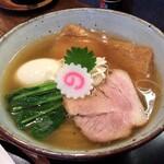 中華蕎麦 きつね - 料理写真:味玉中華蕎麦(950円)