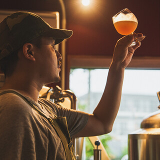 併設ブリュワリーで造る、こだわりのクラフトビール