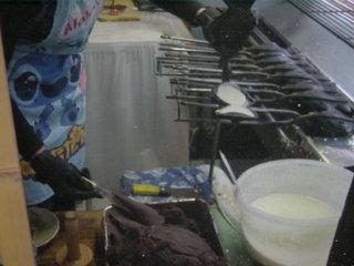小谷たい焼き店 - ③生地を流し込みます