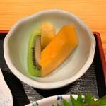 ゆうき丸 - デザート(メロン、キウイ、パイナップル)