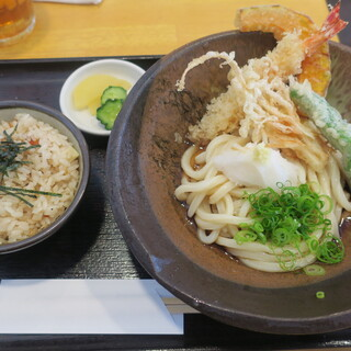 よつ葉 - 料理写真:日替定食