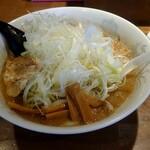 つけ麺屋ちっちょ - こってりラーメン+ネギ増し 980円。